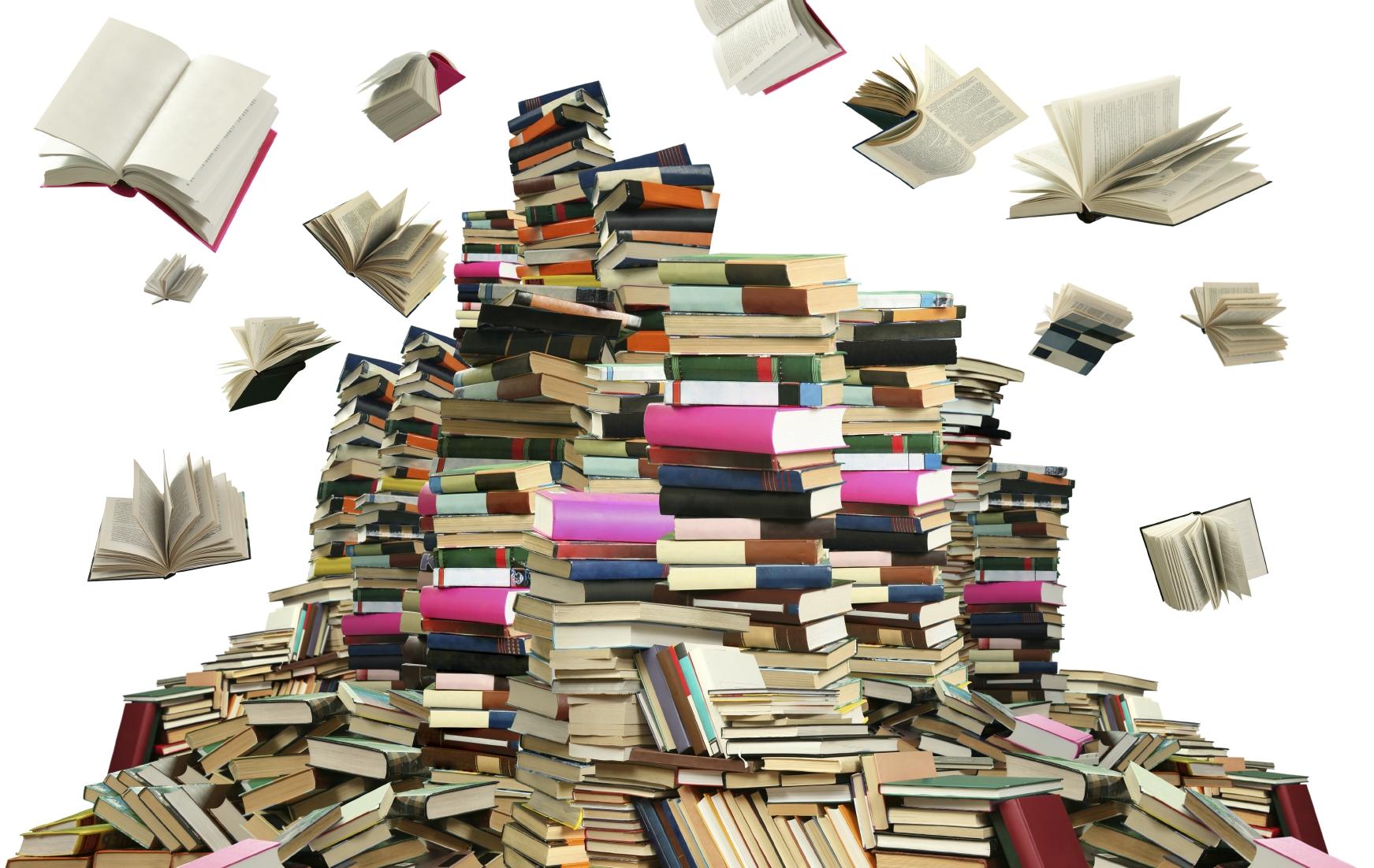 pile of books Книги, которые должен прочитать каждый образованный человек
